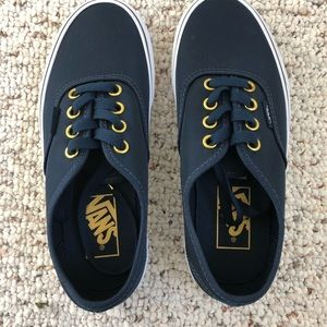 Vans size 4 big kids navy blue sneakers